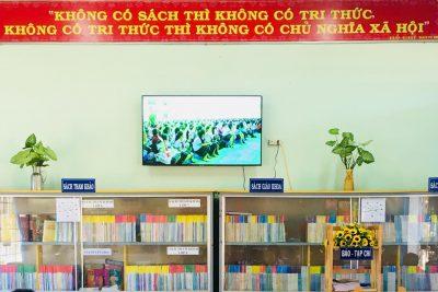 Lồng ghép nội dung giáo dục kĩ năng sống trong tiết đọc thư viện.